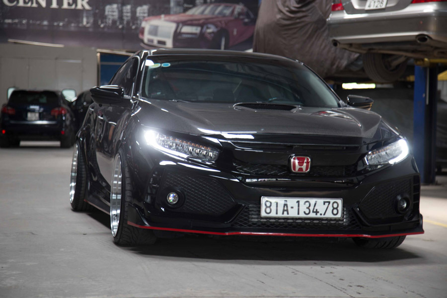 Bỏ 700 triệu tiền đồ chơi 'độ' Honda Civic đời 2017 rao bán với giá cao hơn xe mới